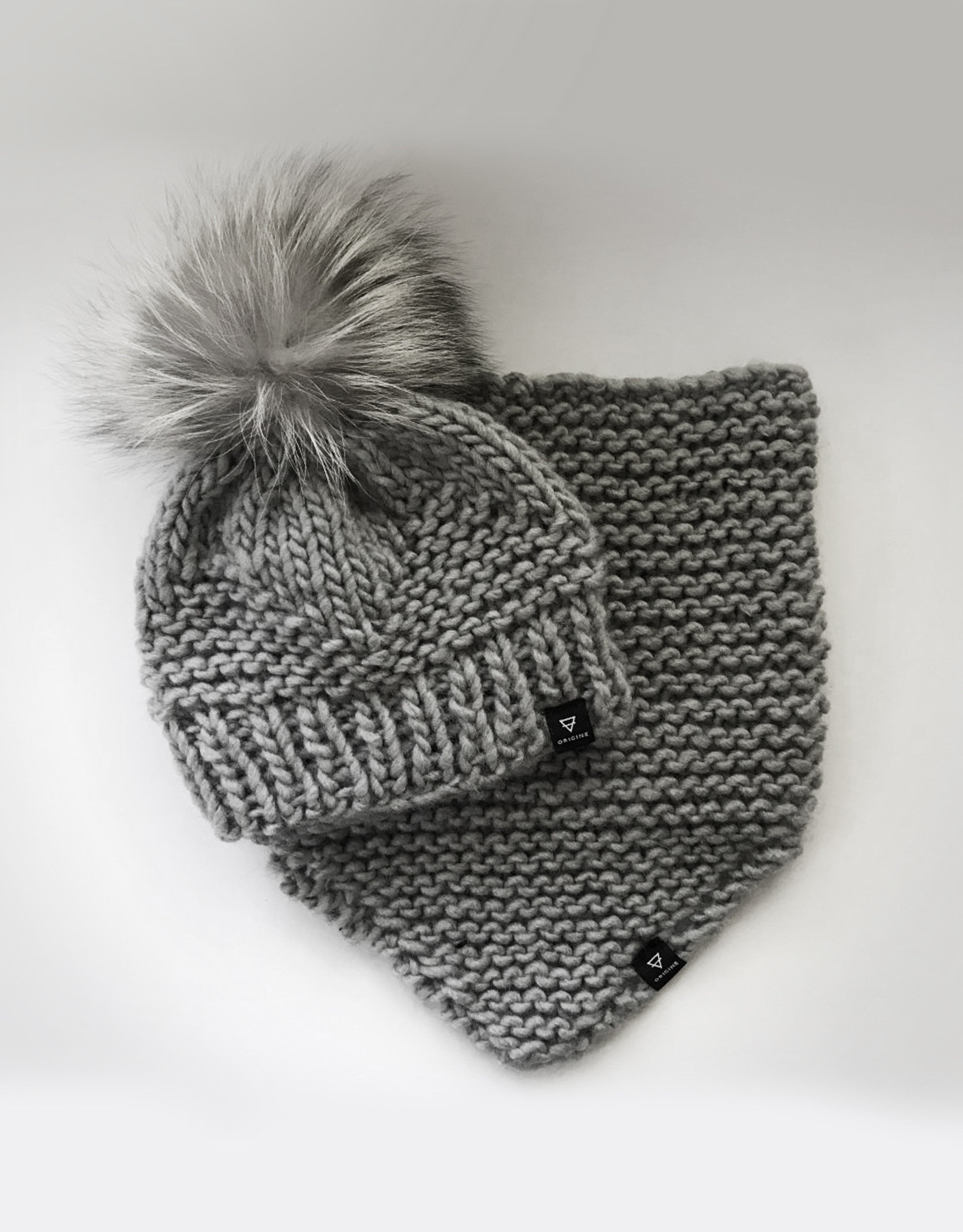 Col-Tuque_Triangle_Tricote gris 2